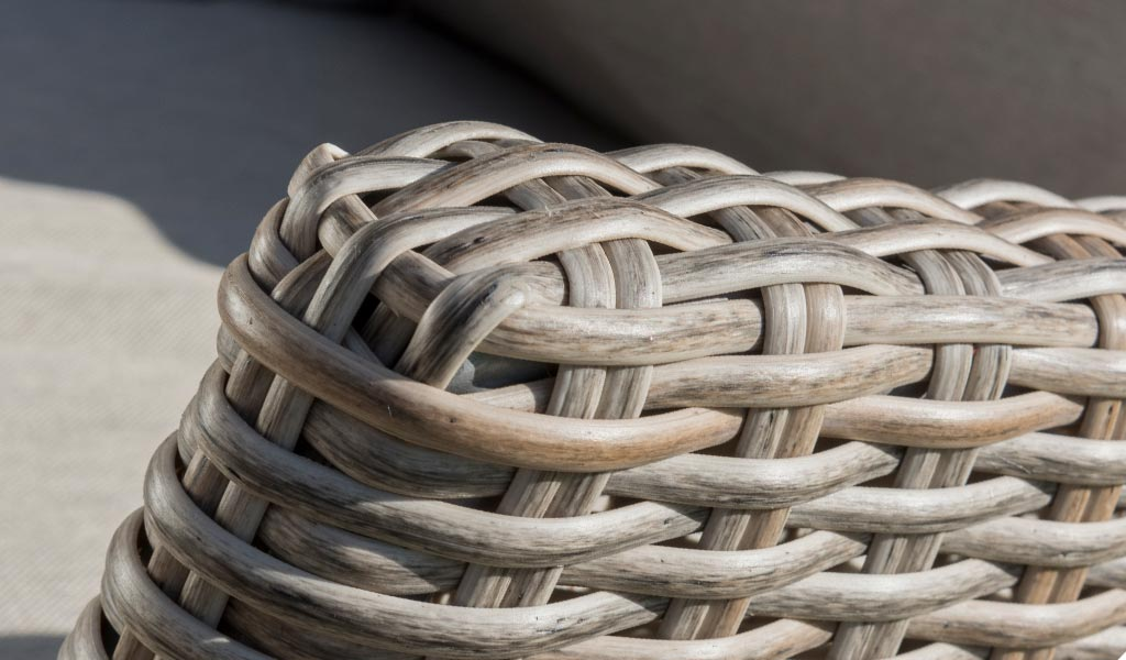 Wicker detail of the Cora Sofa from KETTLER's Elegance range.