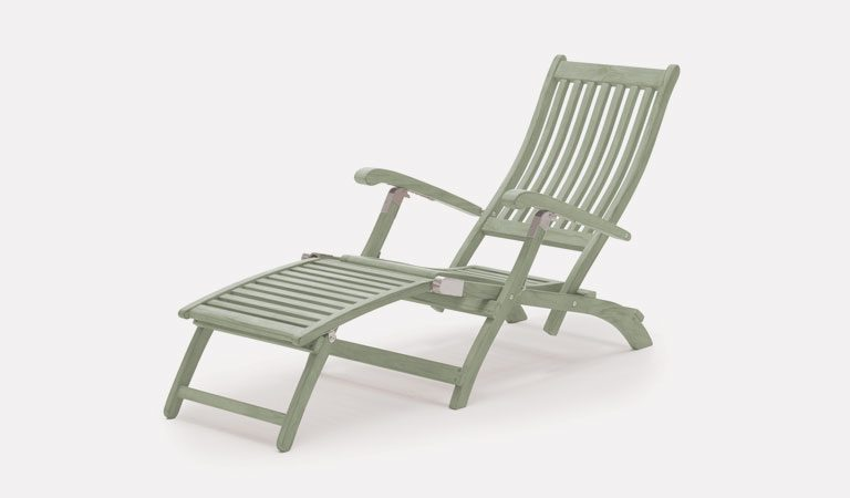 Rosemoor Steamer Chair from the RHS by KETTLER garden furniture range on a grey background.