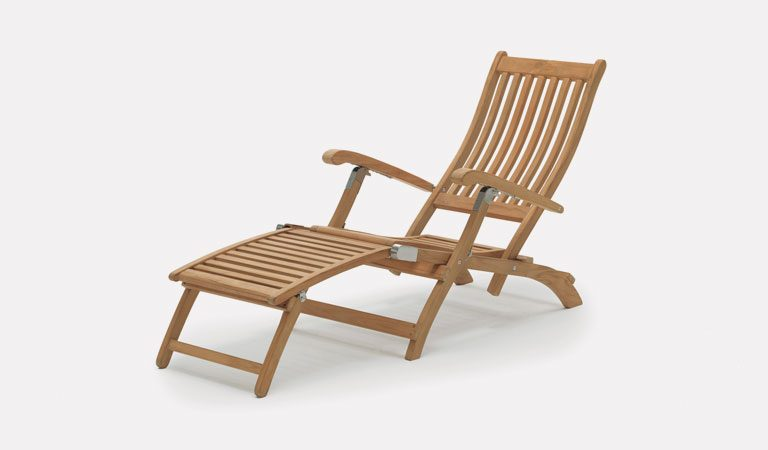 Wisley Steamer Chair from the RHS by KETTLER garden furniture range on a grey background.