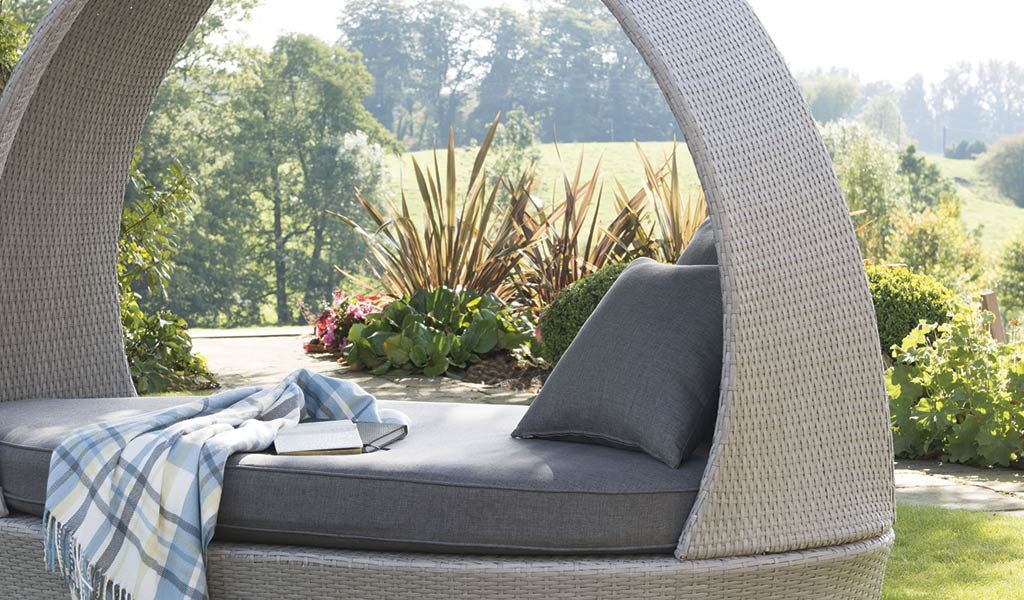 detail of the pod in white wash from kettlers classic garden furniture range