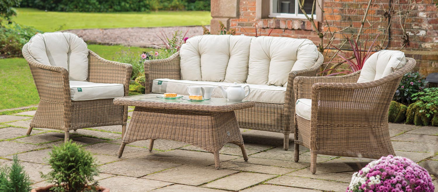 rhs harlow carr lounge set with cushions from the rhs by kettler garden furniture range on - Garden Furniture The Range