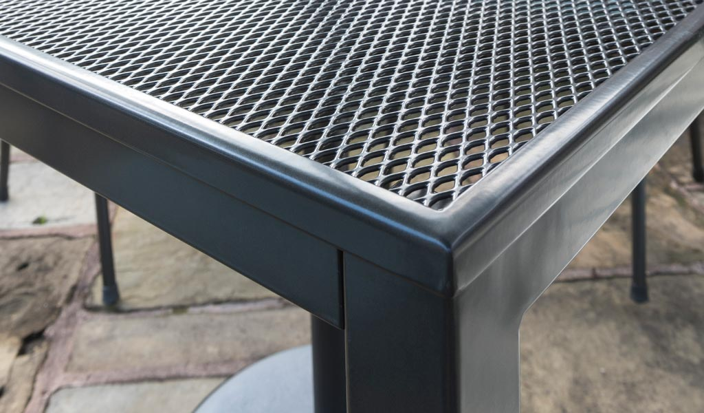 Kettler mesh top loft table detail
