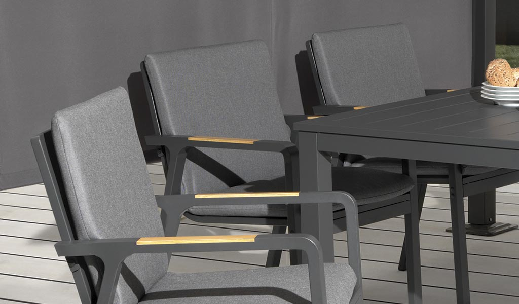 Detail of the Paros Dining Set on patio.