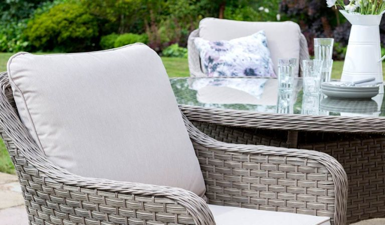 Armchair detail of the Charlbury Round Garden Dining Set