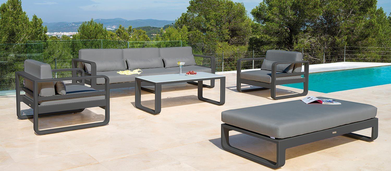 The Jati & Kebon Reno Lounge range on a sunny patio.